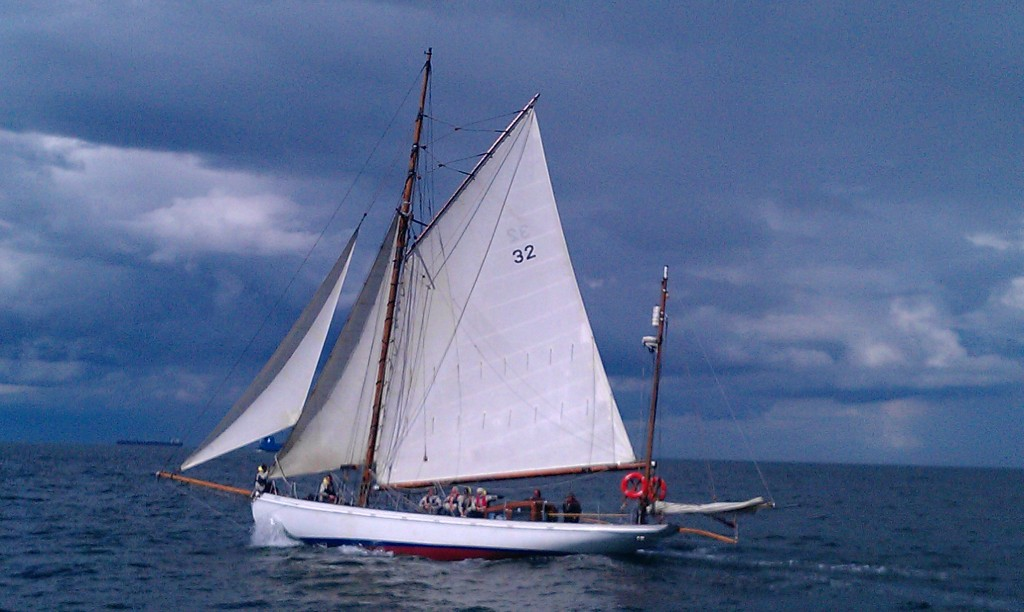 Duet sails across Tees Bay heading for Hartlepool